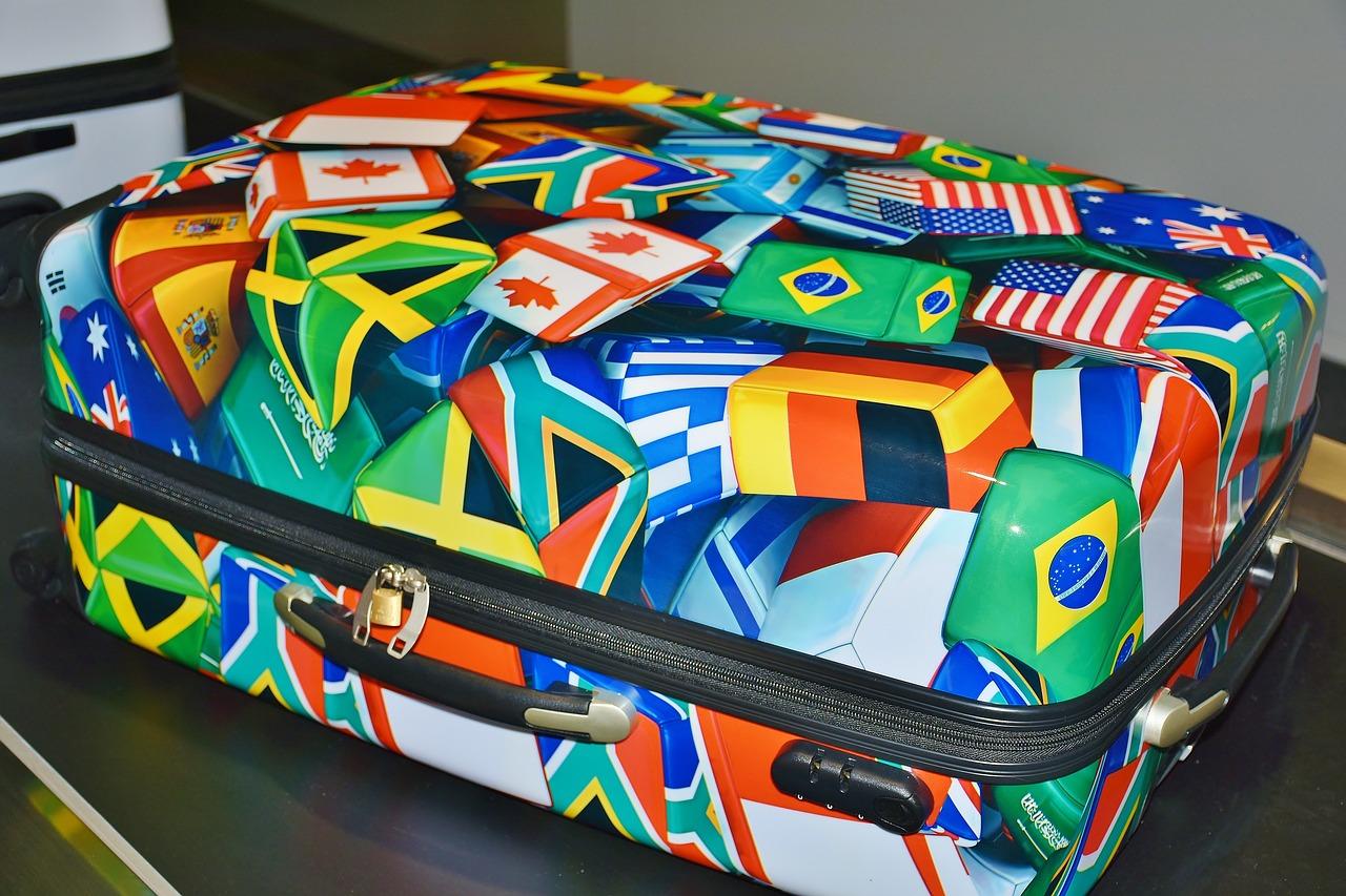 luggage-2384860_1280